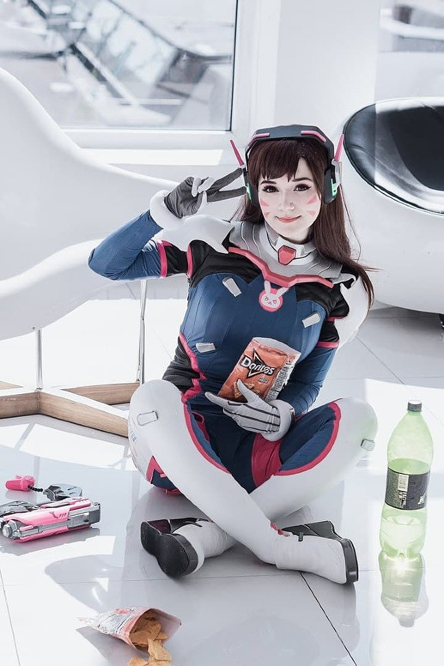 Russian Cosplay: Dva (Overwatch) ver. 2