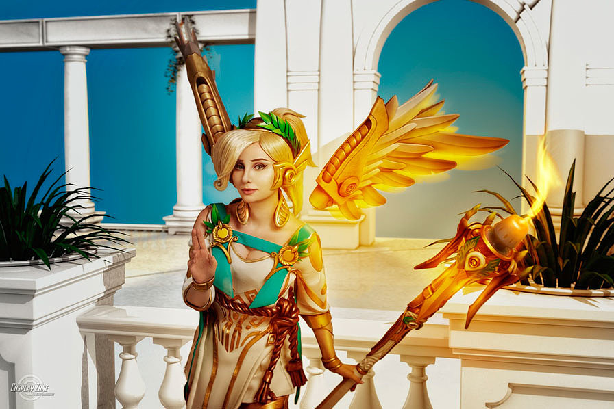 Russian Cosplay: Mercy (Overwatch)
