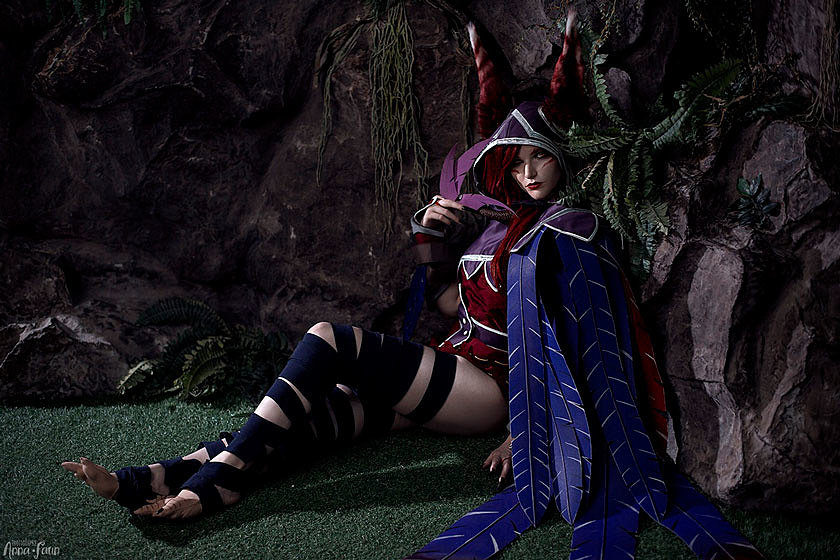 Russian Cosplay: Xayah (League of Legends)