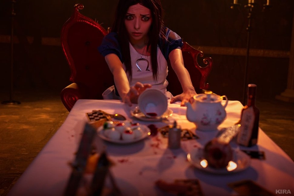Russian Cosplay: Alice (Alice: Madness Returns) ver. 2