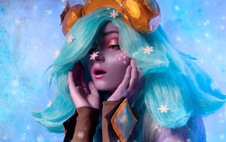 Russian Cosplay: Winter Wonderland Neeko (League of Legends)