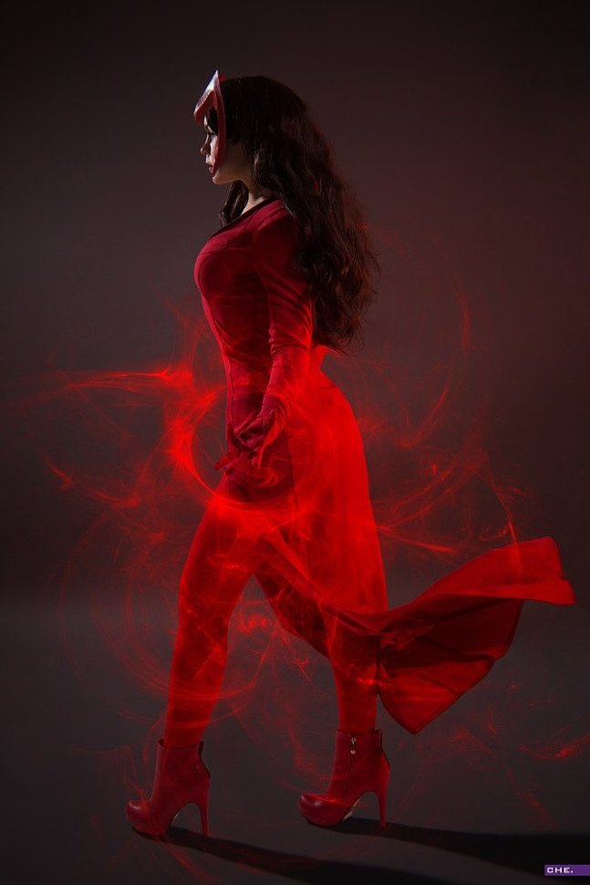 Russian Cosplay: Scarlet Witch (X-Men)