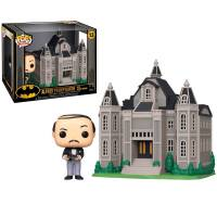 Фигурка POP Town: Batman 80th - Wayne Manor with Alfred Pennyworth